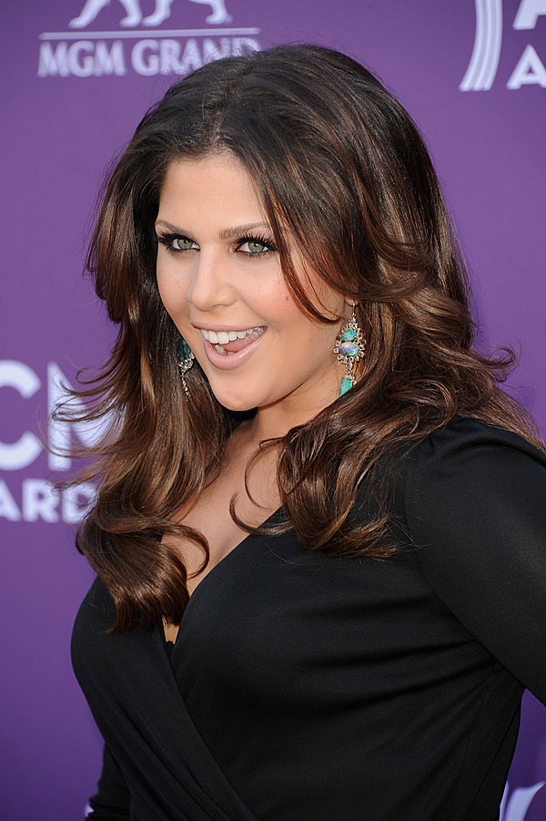 Is Hillary Scott the Hottest Female Country Singer?