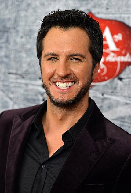 Is Luke Bryan the Hottest Male Country Singer?