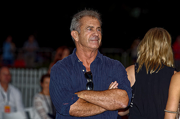 Actor/Director Mel Gibson presents Tropfests first prize