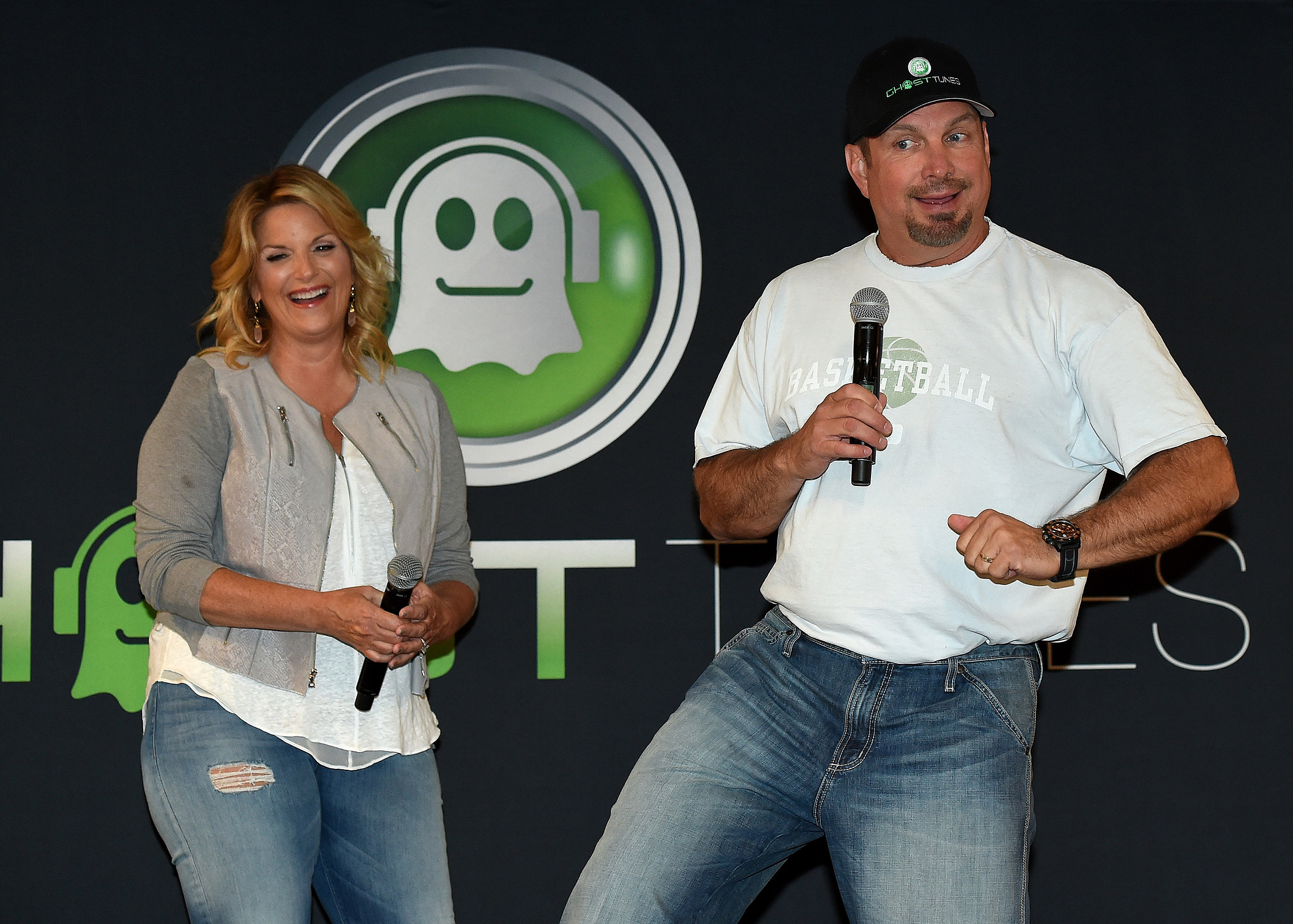 Gary Bristol Want To Introduce You And Your Bff To Garth Trisha
