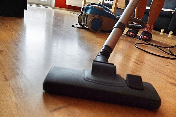 EU cuts power of vacuum cleaners to save energy, Poland